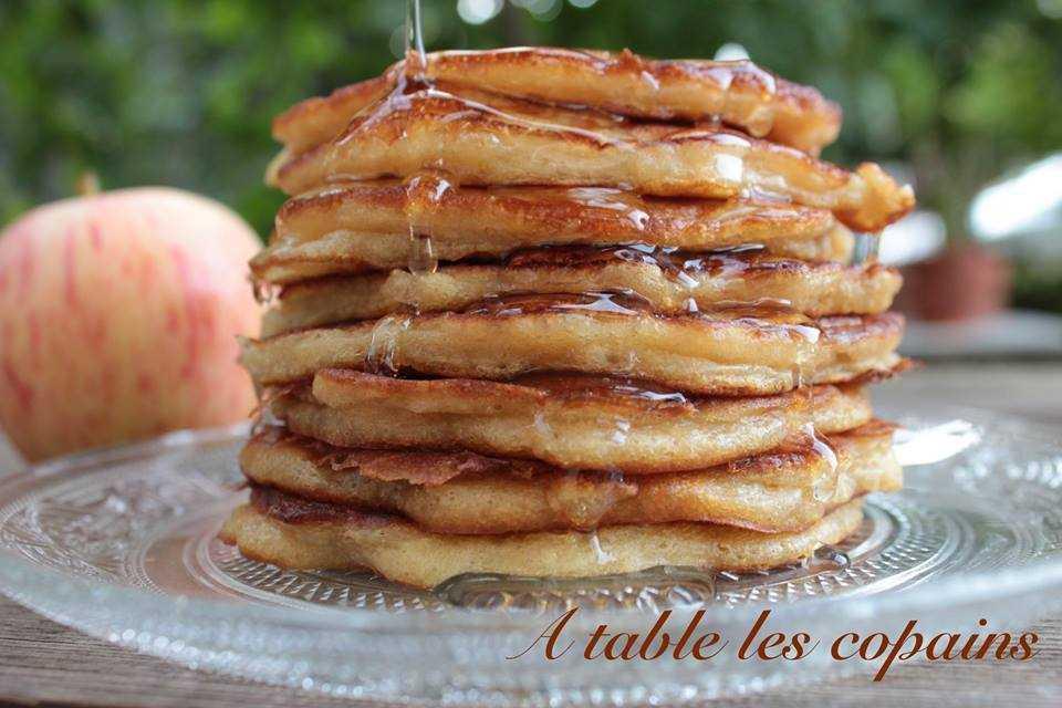 Pancakes à la pomme et sirop d'agave