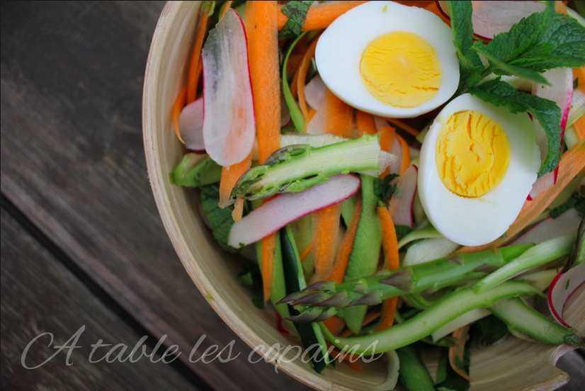 Tagliatelles de légumes printaniers en salade