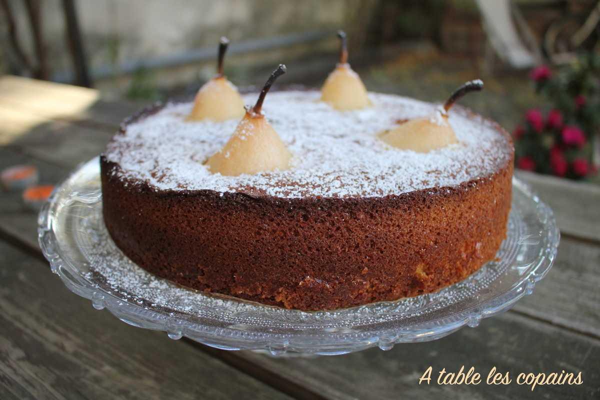 Gâteau d'automne aux poires, amandes et épices
